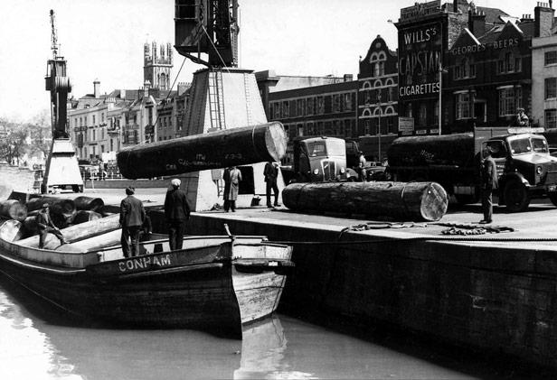 Unloading Logs at Narrow Quay, 18 May 1956