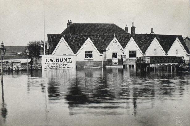 The Black Swan Inn at Stapleton Road during the serious floods of 1882