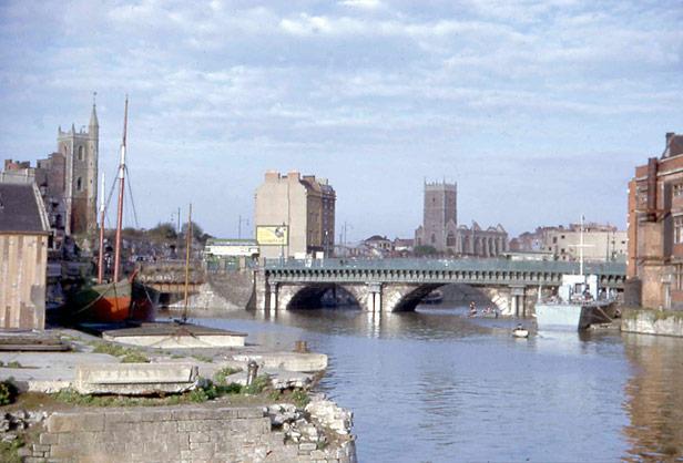Bristol Bridge from Welsh Back (post-war)