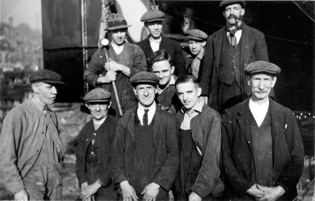 Group of shipyard workers, 1935